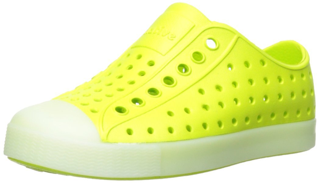 ... Native Jefferson Slip On Sneaker - Chartreuse Green Glow - Size  1-4  Year ... 4158b40af356