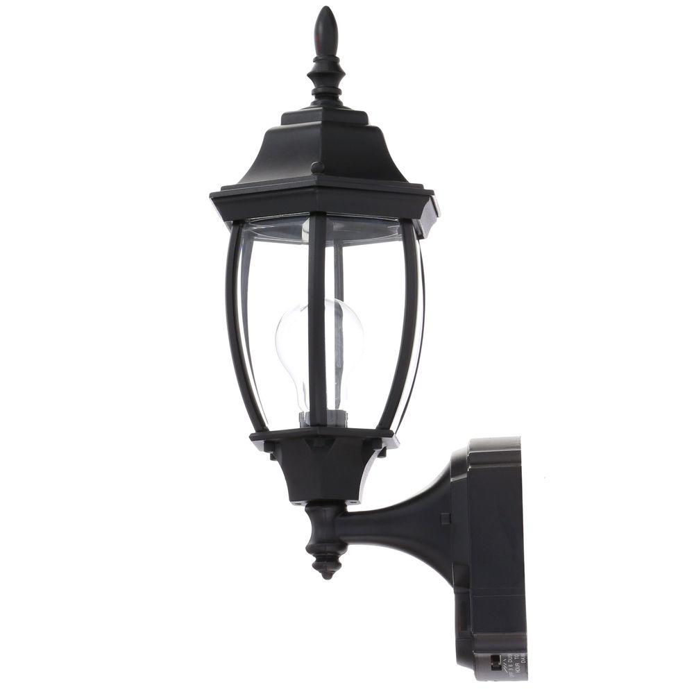 Lamp hampton bay alexandria 18 5x7x8 5 motion sensing outdoor