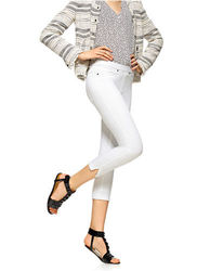 HUE Original Denim Capri Pants White - Size: Small
