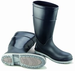 "ONGUARD 89680 Polyblend Men's Plain Toe Goliath KneeBoots with Power-Lug Outsole, 16"" Height, Size 5"