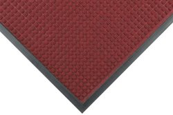"NoTrax Guzzler 3/8"" Thick Entrance Floor Mat, 3' x 10' Red/Black"