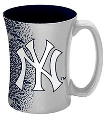 New York Yankees 14 oz Relief Mug