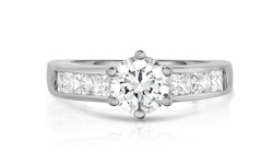 Round and Princess Cut Ring in 18k White Gold - Size: 6