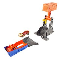 Hot Wheels Hammer Blast Track Set