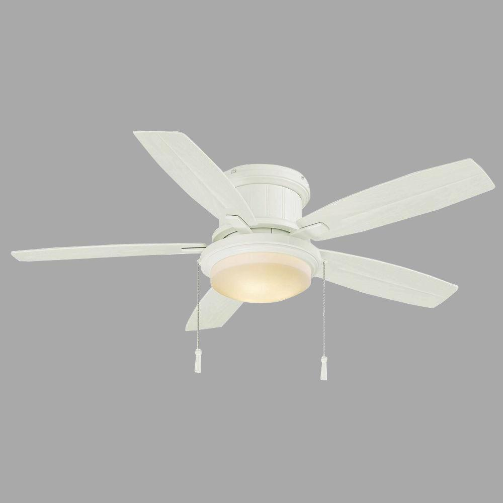 Hampton Bay White Ceiling Fan With Light on