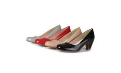 Journee Collection Women's Comfort Fit Patent Pumps - Black - Size: 7.5