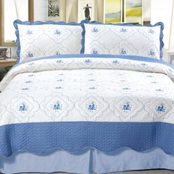 Embroidered Quilt: Brianna/twin-2pc