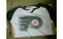 NHL Philadelphia Flyer Men's Ice Hockey T-Shirt - Black/White - Size: S
