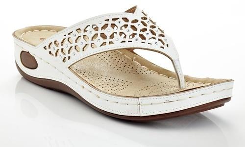 ac1d21452 Lady Godiva Women s Comfort Wedge Thong Sandals - White - Size 7.5 ...