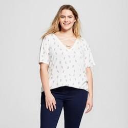Women's Plus Size Pineapple Tossed Print Criss-Cross V-Neck Short Sleeve Graphic T-Shirt - Zoe+Liv Ivory 3X 1906127