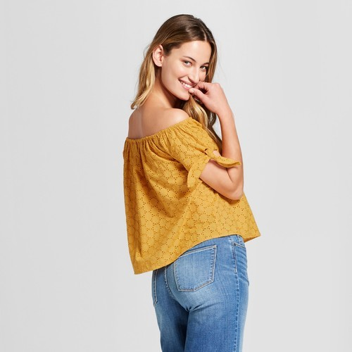 993af4871f2a64 Women's Eyelet Off the Shoulder Top Short Sleeve Blouse - Gold - Size:XS ...