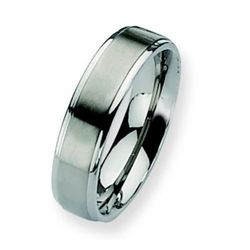 Chisel Titanium Men's Ridged Edge Ring -
