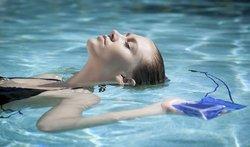 Universal Waterproof Smartphone Case: Blue